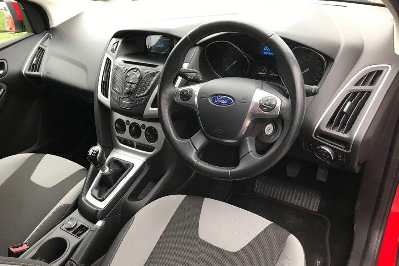 2013 Ford Focus Hatchback  1.6 TDCi Zetec 5dr* NEW SERVICE * NEW MOT